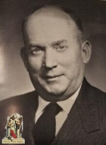 1953-1954-William T. James